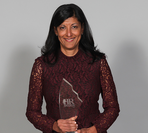 Zabeen Hirji receives Ivey Business School Lifetime Achievement Award for Human Resources
